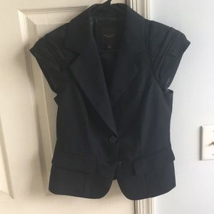 The LIMITED Short Sleeve Blazer